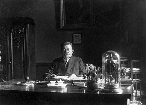 Friedrich Ebert in seinem Büro am 15.2.1925 (Bild: Archiv der sozialen Demokratie)